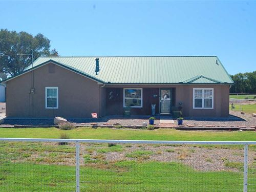 Country Home With Equestrian Facil : Belen : Valencia County : New Mexico