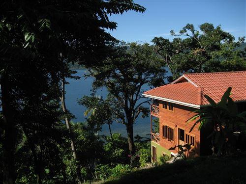 4 Coastal Oceanfront Eco Villas : Bocas Del Toro : Panama