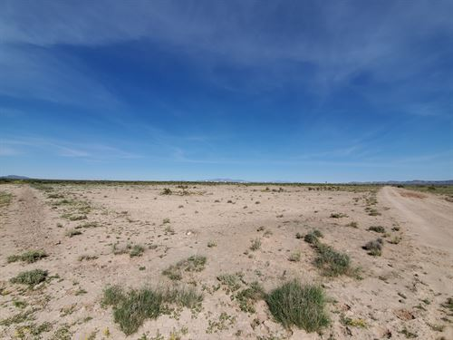 This 1-Acre Property Located Just : Deming : Luna County : New Mexico