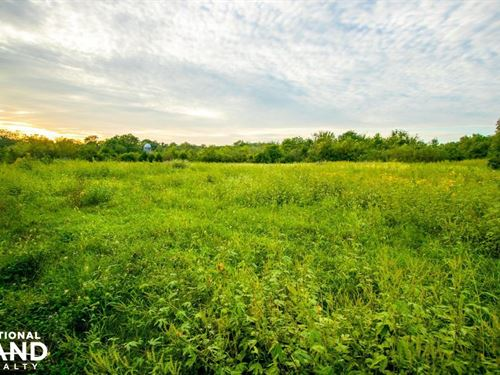 Country Homesite on Wellman Road : Mc Louth : Jefferson County : Kansas