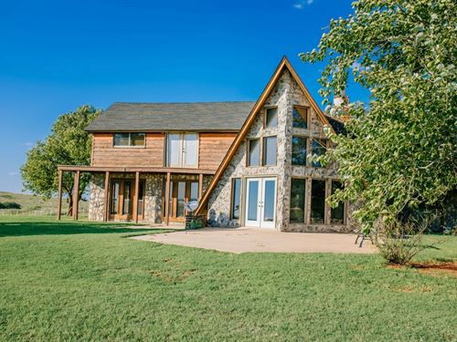 80 Acre, 3100+ Sq Ft Home Just : Elk City : Beckham County : Oklahoma
