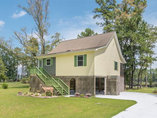 Private Water Front Retreat : Aurora : Beaufort County : North Carolina