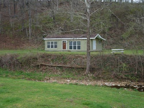 Rustic Cabin in The Woods : Belleview : Calhoun County : Illinois