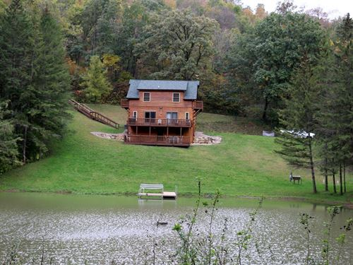 Log Home in Driftless Region : Readstown : Vernon County : Wisconsin