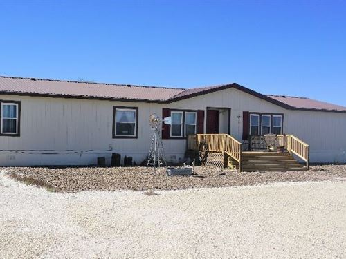 Country Manufactured Home + 10 : Fort Stockton : Pecos County : Texas