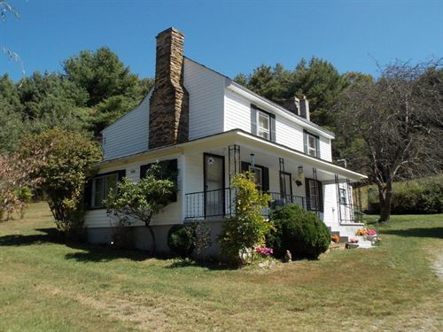 1800'S Farmhouse Floyd County VA : Willis : Floyd County : Virginia