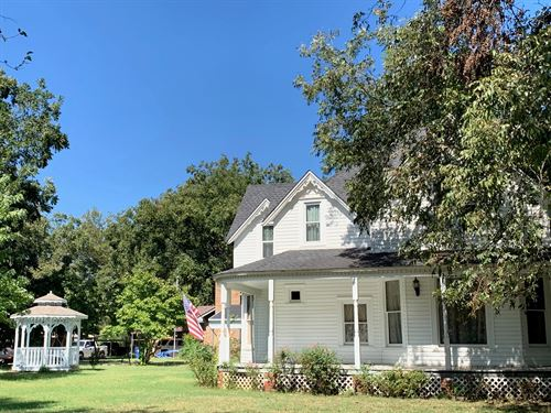 Updated Historichome Colonial : Wynnewood : Garvin County : Oklahoma