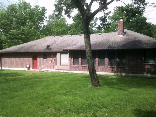 Beautiful Brick Home 2 Acres Bates : Bates City : Johnson County : Missouri