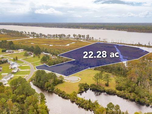 Lot 52, Huge Waterfront Lot : Chocowinity : Beaufort County : North Carolina