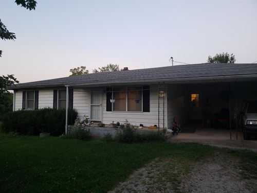 2 Homes On 9.5 Aceres : Manes : Wright County : Missouri