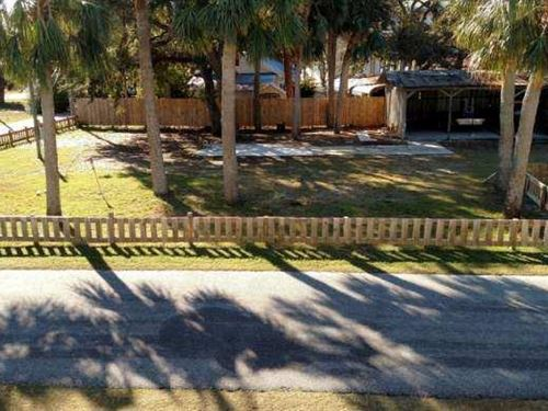 .20 Lot Near Boat Ramp 778796 : Horseshoe Beach : Dixie County : Florida