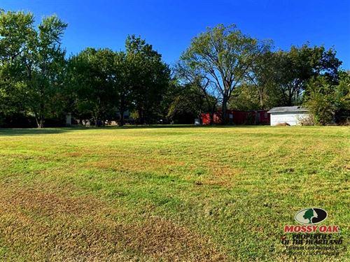 A Lot to Love : Neodesha : Wilson County : Kansas