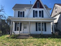 Woodsfield, OH Two Story Home : Woodsfield : Monroe County : Ohio