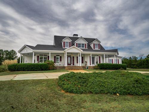 Stunning Farm House On 5+ Acres : Social Circle : Walton County : Georgia