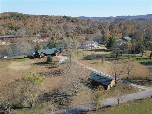 Current River Waterfront Home : Van Buren : Carter County : Missouri