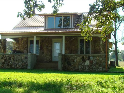 Beautiful Home Situated On 29 Acre : Mountain View : Howell County : Missouri