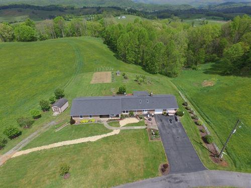 5 Bedroom 3 Bath Brick Home Marion : Marion : Smyth County : Virginia