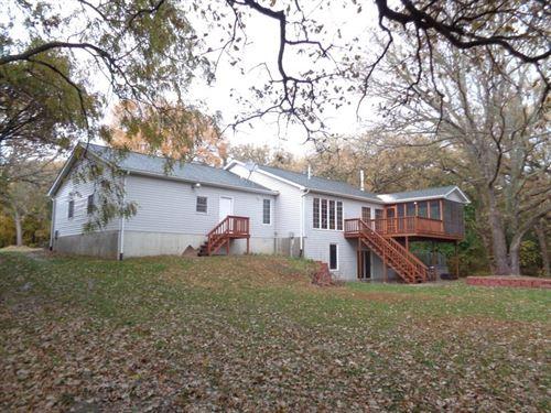 Country Ranch Style Home Missouri : Missouri Valley : Harrison County : Iowa