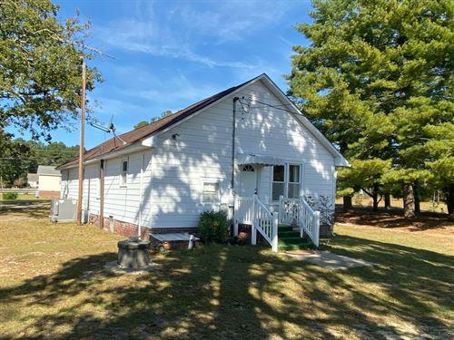 Old Farmhouse With Acreage & Pond : Lillington : Harnett County : North Carolina