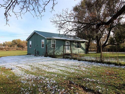 2 Bedroom 1 Bath Home 1 Acre : Wibaux : Dawson County : Montana