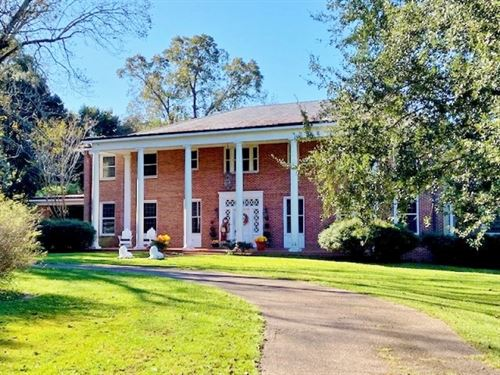Large Antebellum Home 66 Acres Land : Lumberton : Lamar County : Mississippi