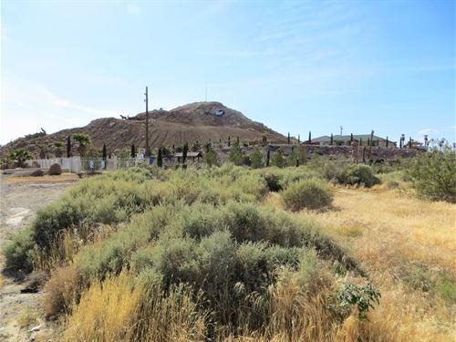 Nice Views, Power, Old Well, $285/M : Barstow : San Bernardino County : California