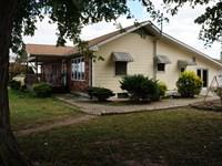 Home With Amazing Views : Hardin : Calhoun County : Illinois