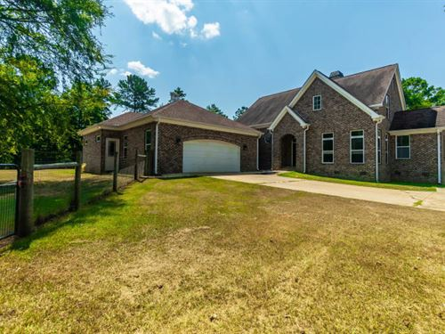 Custom Brick Home With 30 Acres : Forsyth : Monroe County : Georgia