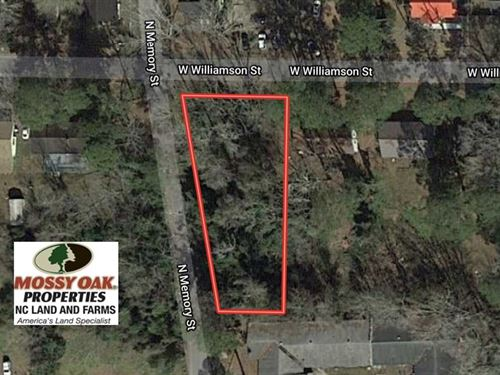 .37 Acres of Residential Land : Whiteville : Columbus County : North Carolina