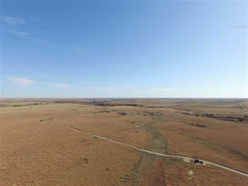 160 Acres of Crp Grass And Upl : Russell : Kansas