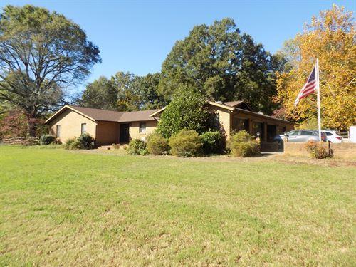 All Brick Home Acreage Mint Hill NC : Mint Hill : Mecklenburg County : North Carolina