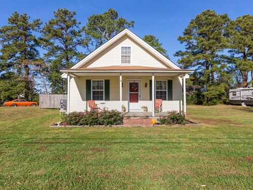 3 Bed 2 Bath Bungalow in Shawboro : Shawboro : Currituck County : North Carolina