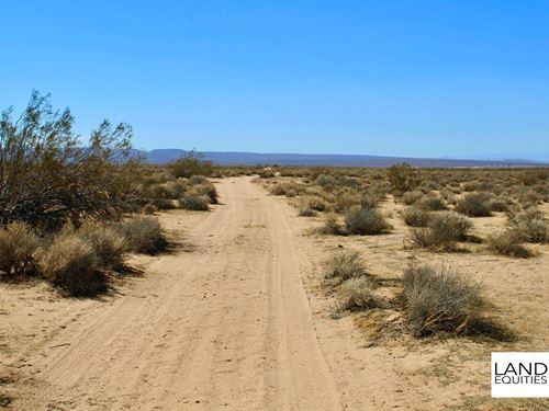 Off Roaders Paradise Borders Blm : Hinkley : San Bernardino County : California