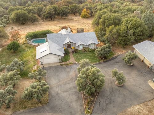 Luxury Lake Oroville Foothills : Oroville : Butte County : California
