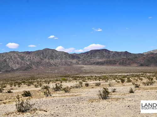 Near Cleghorn Lakes Wilderness : Twentynine Palms : San Bernardino County : California