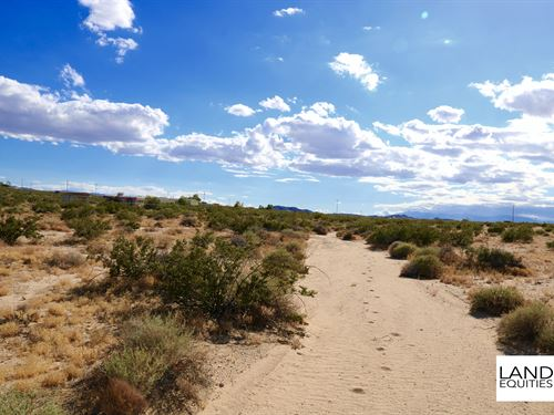 Borders Blm Near Paved Road : Twentynine Palms : San Bernardino County : California