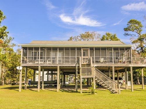 A Rare And Lovely Find : Belhaven : Beaufort County : North Carolina