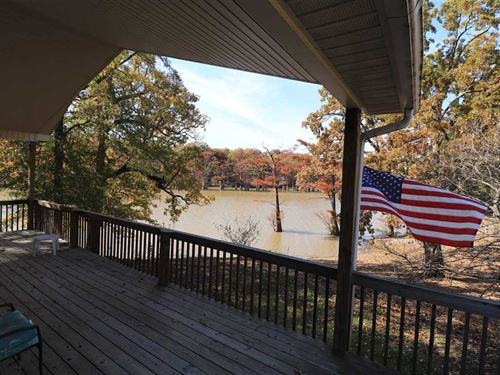 1,250 Ft2 Waterfront Cabin on Spri : Des Arc : Prairie County : Arkansas