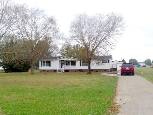 Country Home Near Town : Elizabeth City : Pasquotank County : North Carolina
