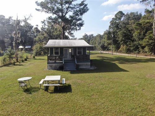 8.17 Acres Lake Front Cabin : Perry : Taylor County : Florida