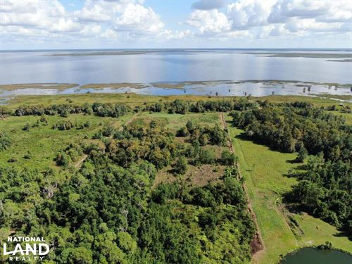 Lake Placid Waterfront Homesite Ret : Lake Placid : Highlands County : Florida