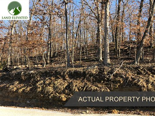 .33 Acre Lot For Your Family : Village Of Four Seasons : Camden County : Missouri
