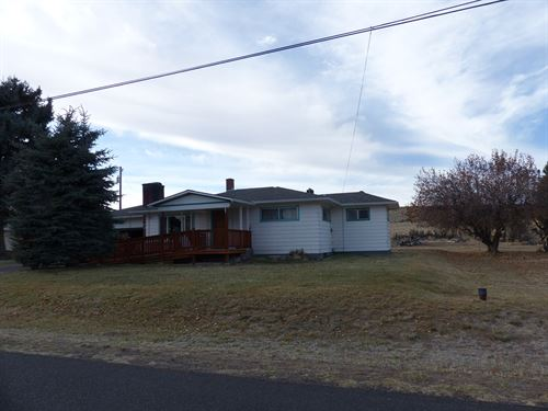 1.26 Acre Lot Hines, Large Home : Hines : Harney County : Oregon
