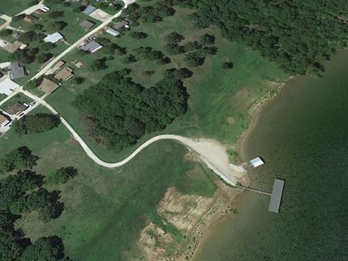 .88 Acres Close to The Lake $8,999 : Pittsburg : Hickory County : Missouri