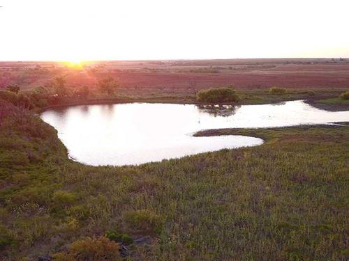 865 Acres of Ranch/Farm/Recreati : Megargel : Archer County : Texas