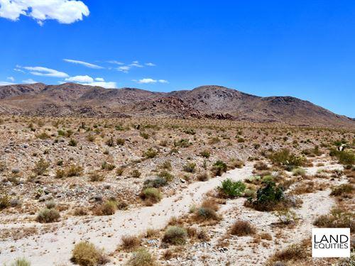 Only 1 Mile From Joshua Tree Park : Twentynine Palms : San Bernardino County : California