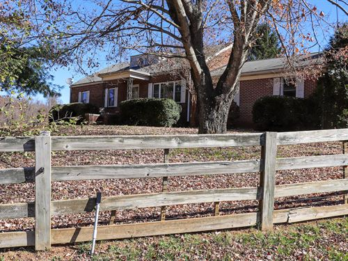 Sweet Country Home With Farmland : Floyd : Virginia