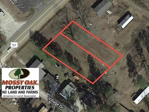 .64 Acres of Commercial Land : Whiteville : Columbus County : North Carolina