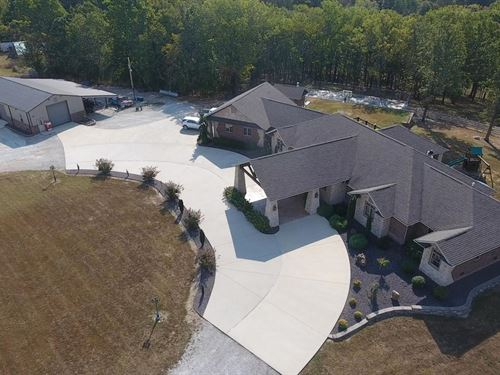 Beautiful Custom Stone & Brick Home : Mountain Grove : Wright County : Missouri
