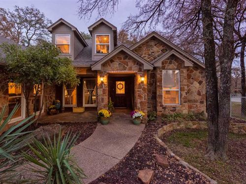 Beautiful, Quiet And Secluded 1 : Granbury : Hood County : Texas